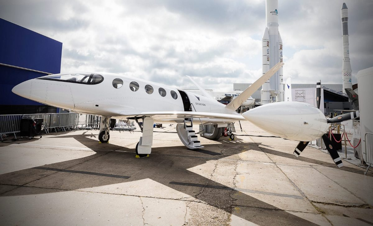 Batteries Enabling Electric Aircraft Are Coming In 20 To 20 Years ...